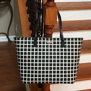 Nwot ♠️Kate Spade Black and white leather tote♠️
